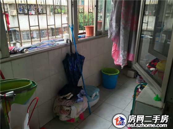 深圳市翠园中学高中部的宿舍里有插头吗图片